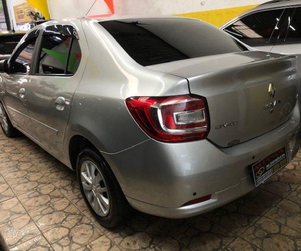 Logan 1.6 2017 na Aliança Automóveis em São Paulo